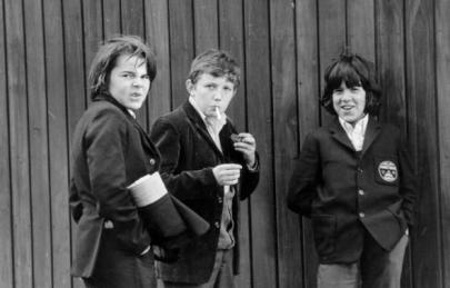 schoolboys-smoking-may-1972