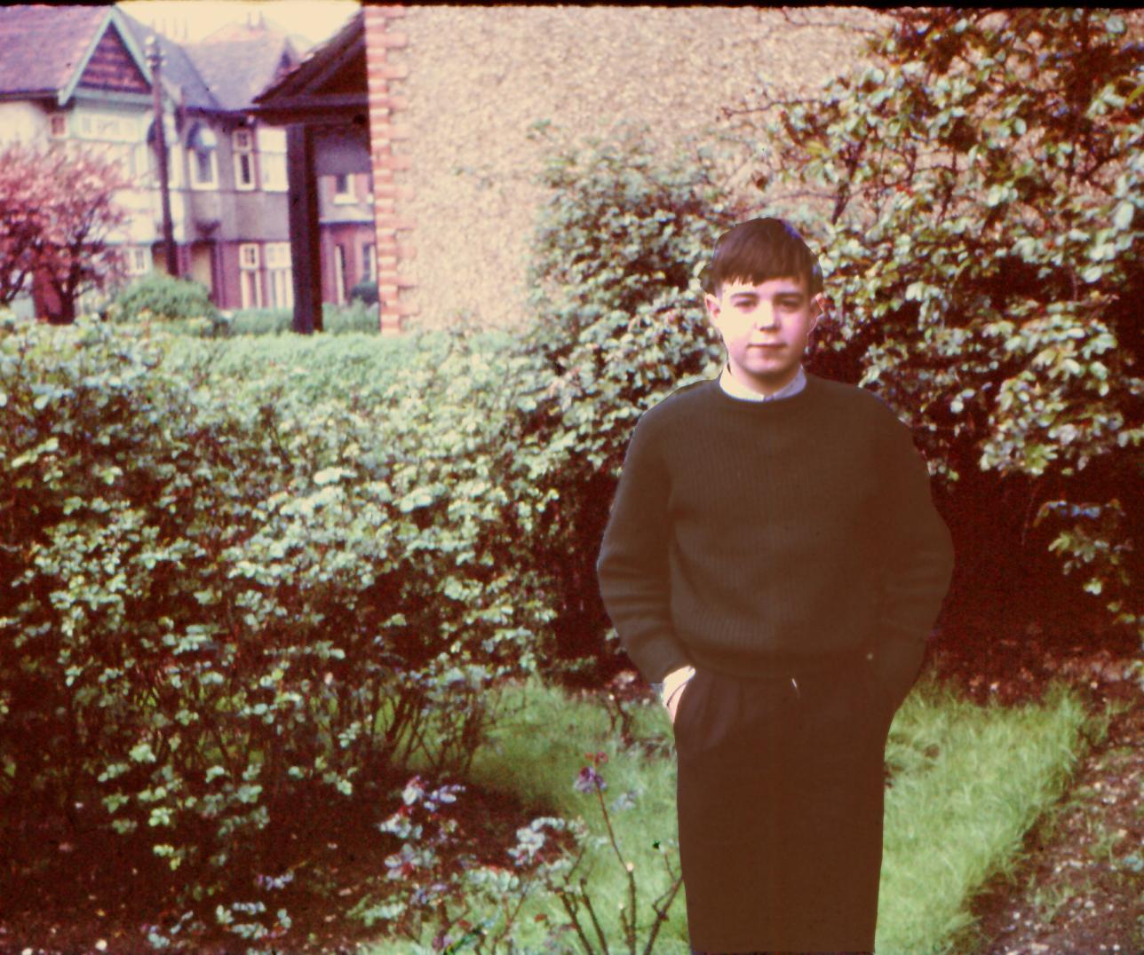 dj in front garden